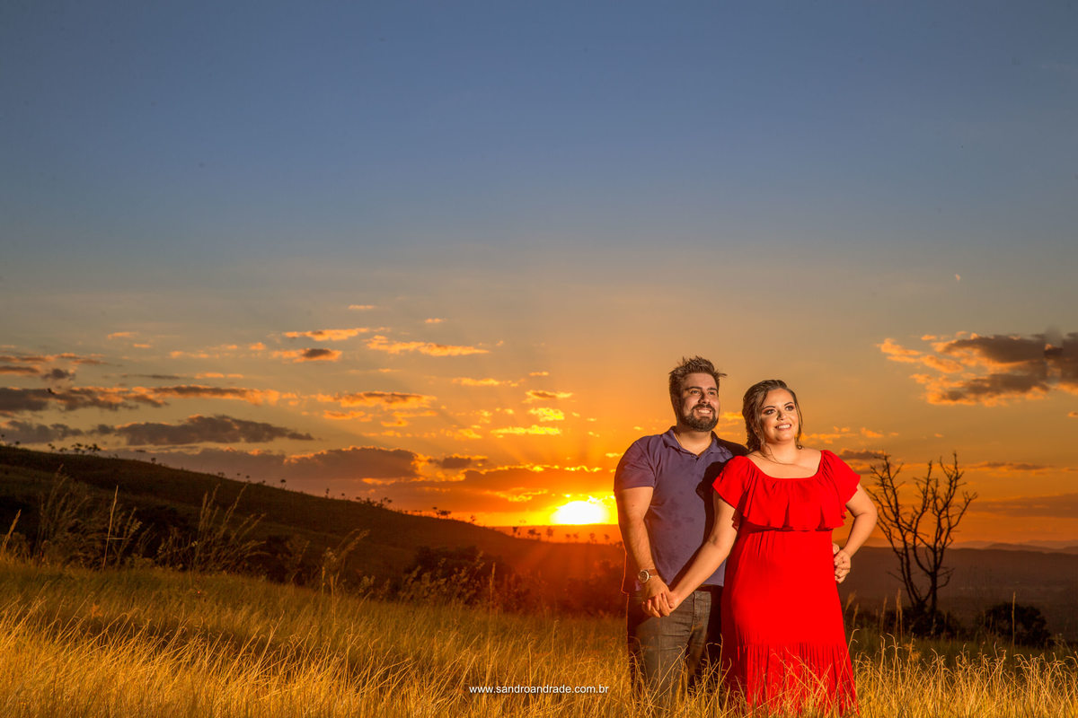 Um lindo por do sol e um amor para registrar, Sandro Andrade fez belíssimas fotografias desse casal maravilhoso, fotografo de casamentos em Brasilia há dois anos e meio, Sandro ja conquistou espaço no meio das noivas.