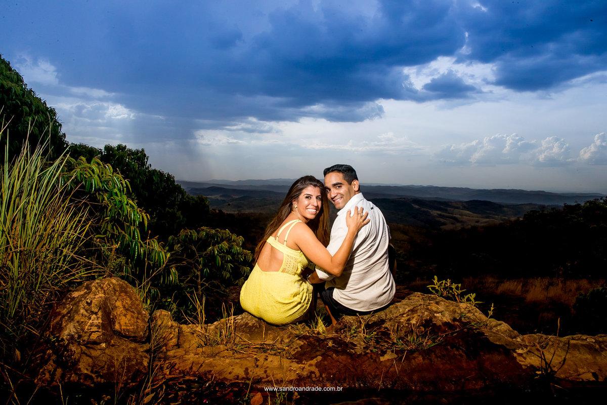 Um casal lindo e uma vista linda do Paraíso na Terra em Brazlândia - Brasilia - DF