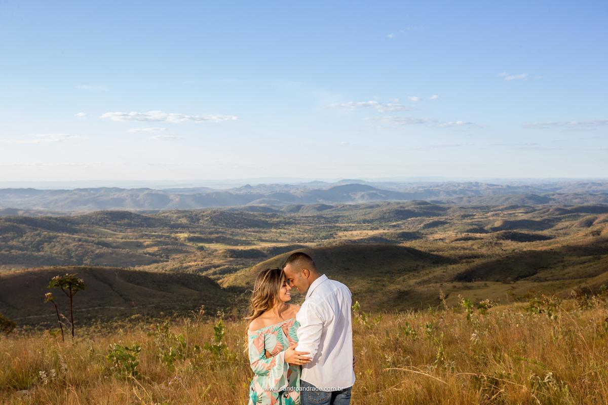 Amor...um sentimento lindo de se registrar, Sandro Andrade fotografo de Brasilia sabe bem como captar belas imagens dos casais que estão prestes  a dizer simmm.