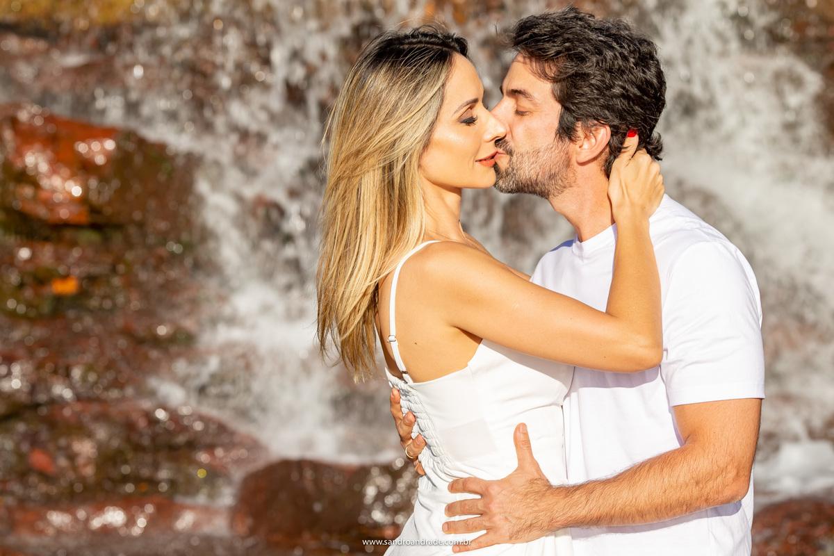 Nao quero outro beijo se não for o seu Viver só pra você é meu desejo Seu beijo é gostoso demais Alento e ternura me traz…