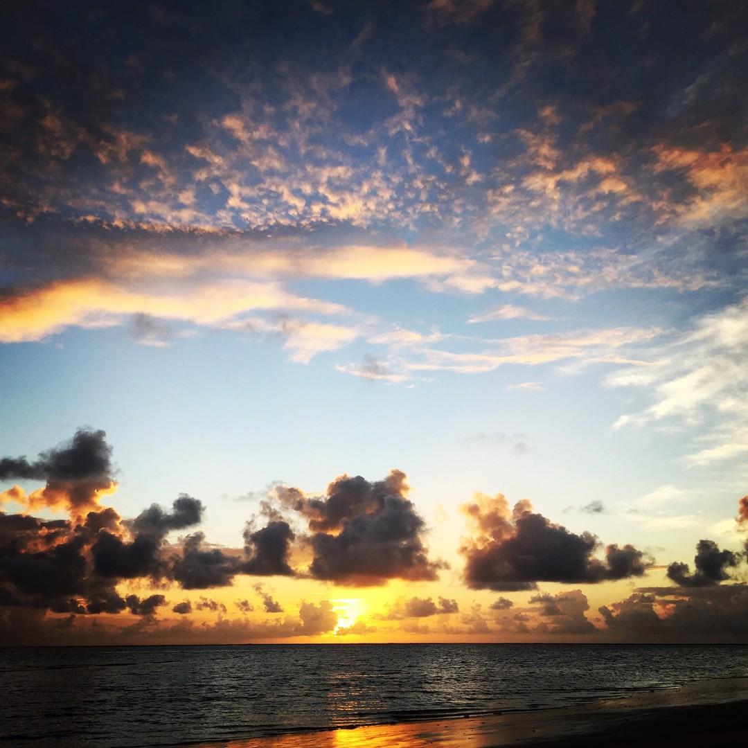 Imagem capa - Nina e Deko - Praia de Carneiros PE por Elton Sabatino