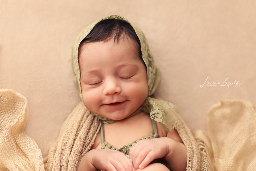 Imagem capa - Seja Bem-Vinda a este Mundão Pequena Melina!  por Lorena Zapata