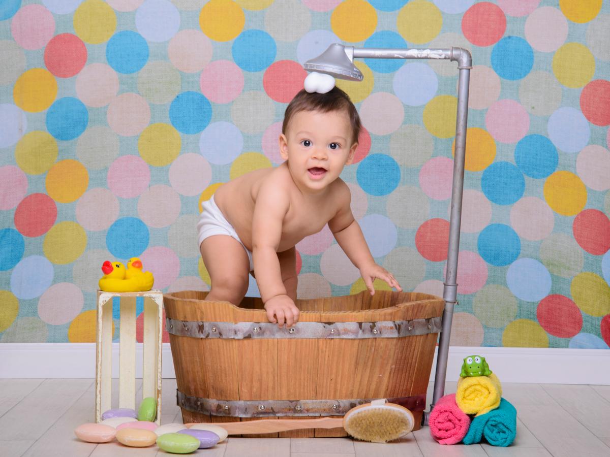 sessão de banho, toalha, escova, banheira, chuveiro, patinhos, folia.
