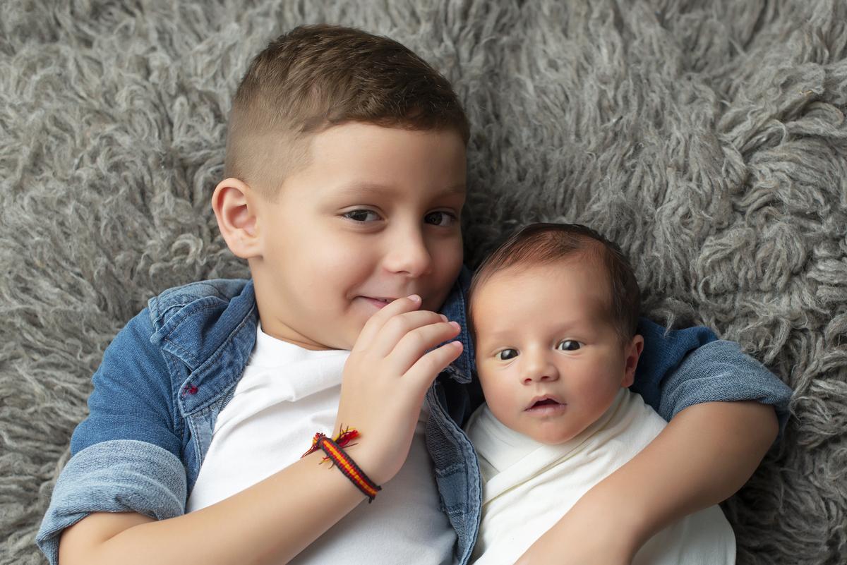 Imagem capa - Um novo melhor amigo, confidente e irmão. por Foto Sete Fotografia de Partos e Famílias