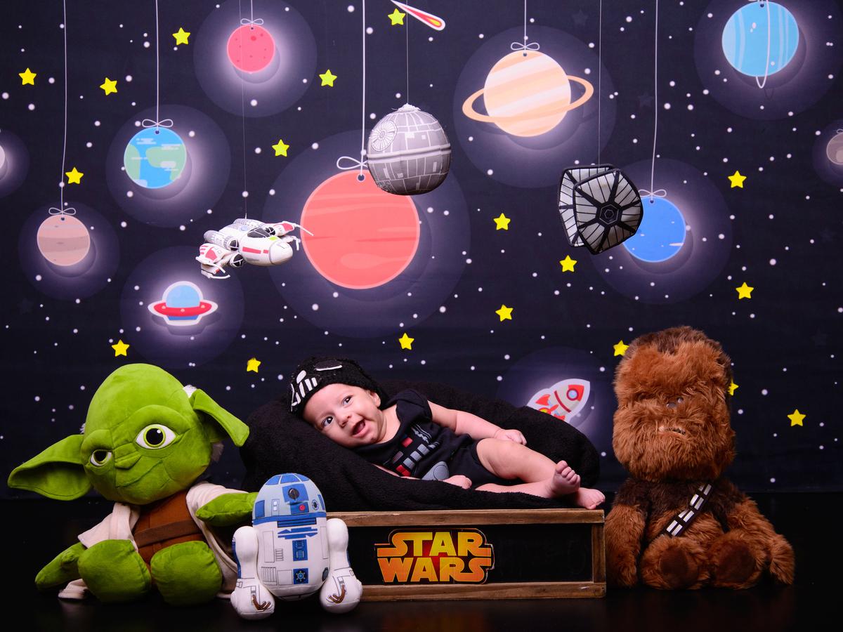 Imagem capa - Sessão fotográfica Aventuras no Espaço - Star Wars  por Foto Sete Fotografia de Partos e Famílias
