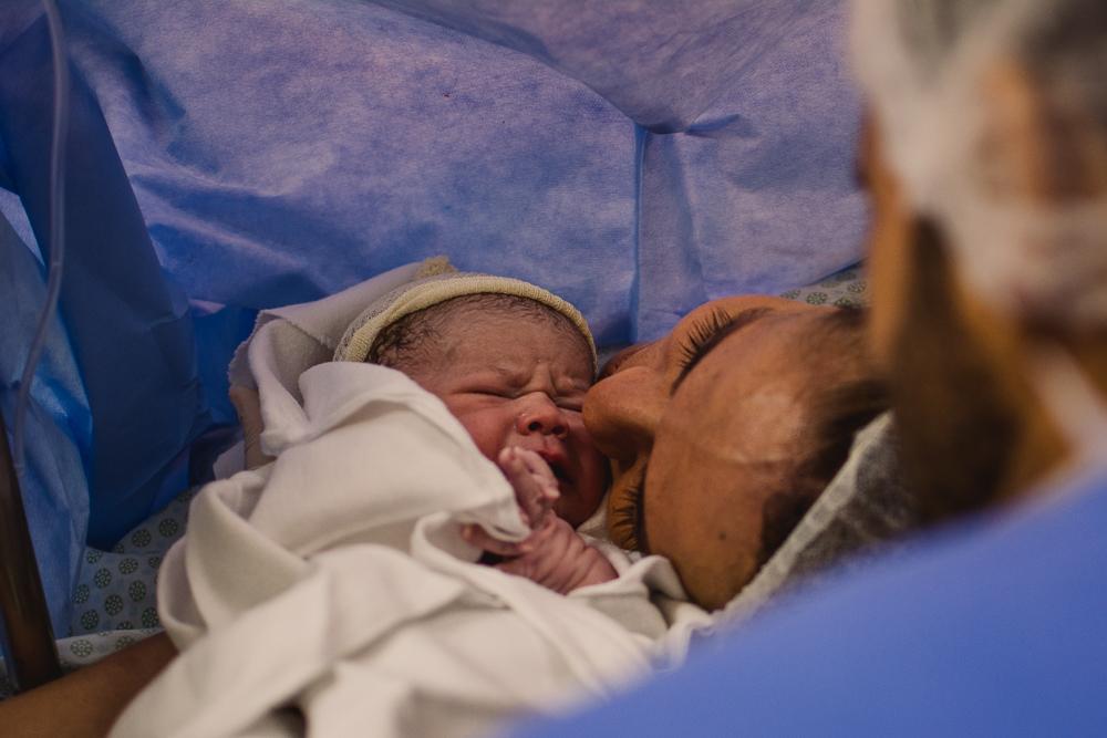 Fotografia Documental de Parto realizada no hospital metropolitano.