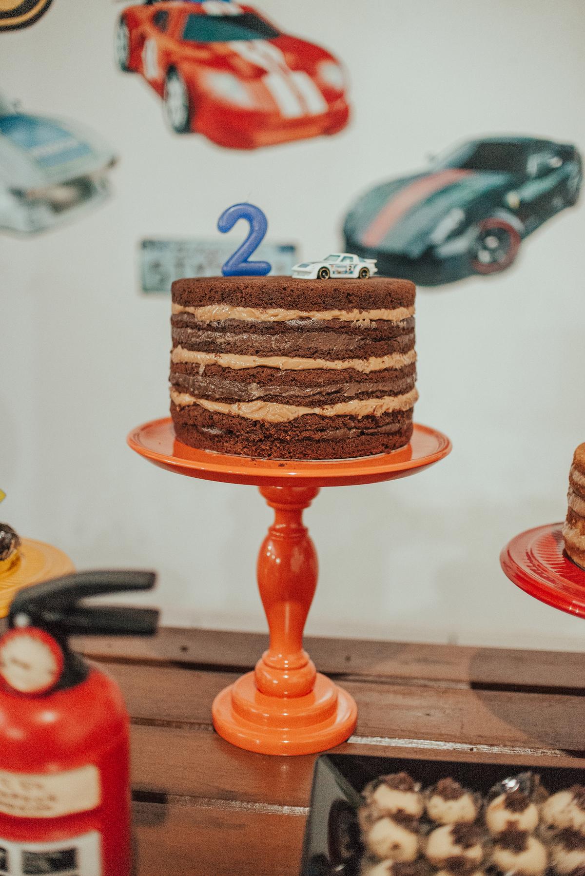 Fotografia do bolo de aniversário.