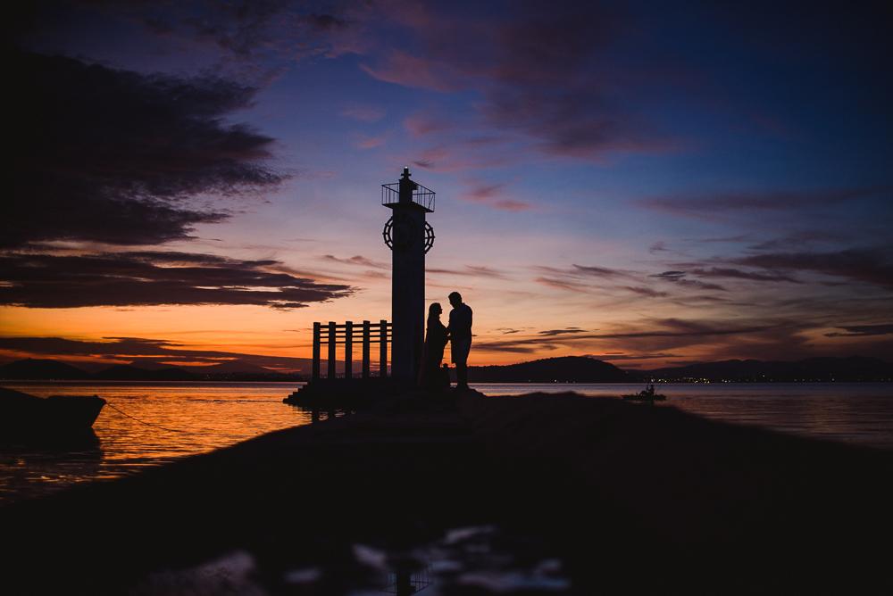 Nascer do sol no Farol da Ilha de Paquetá. Rio de Janeiro. Ensaio de Gestante.