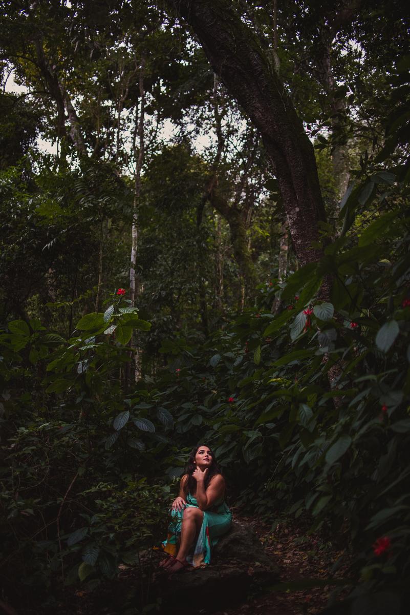 Fotografia minimalista feita em ensaio fotográfico realizado na ilha da fonte grande em Vitória, na capital do Espírito Santo.