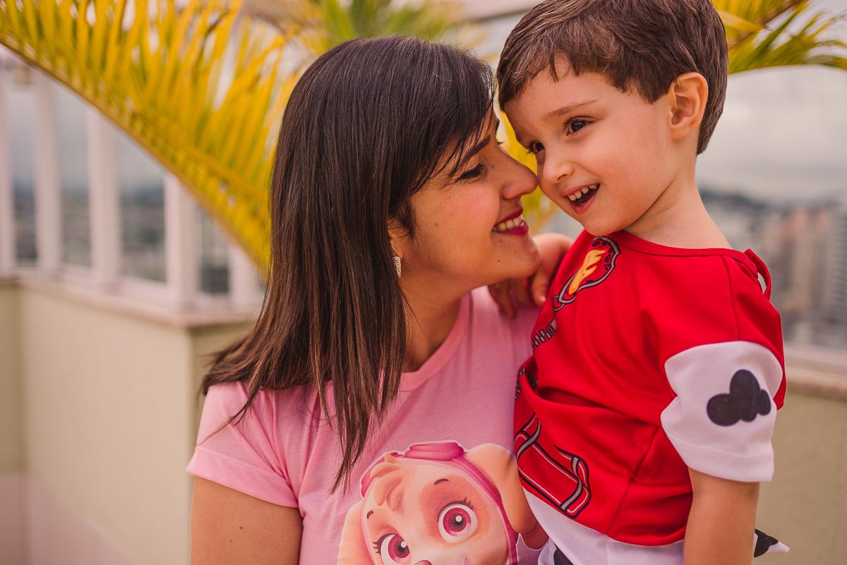 Fotografia. Ensaio fotográfico mãe e filho. Documental de família. Vila Velha-ES. Itapuã.
