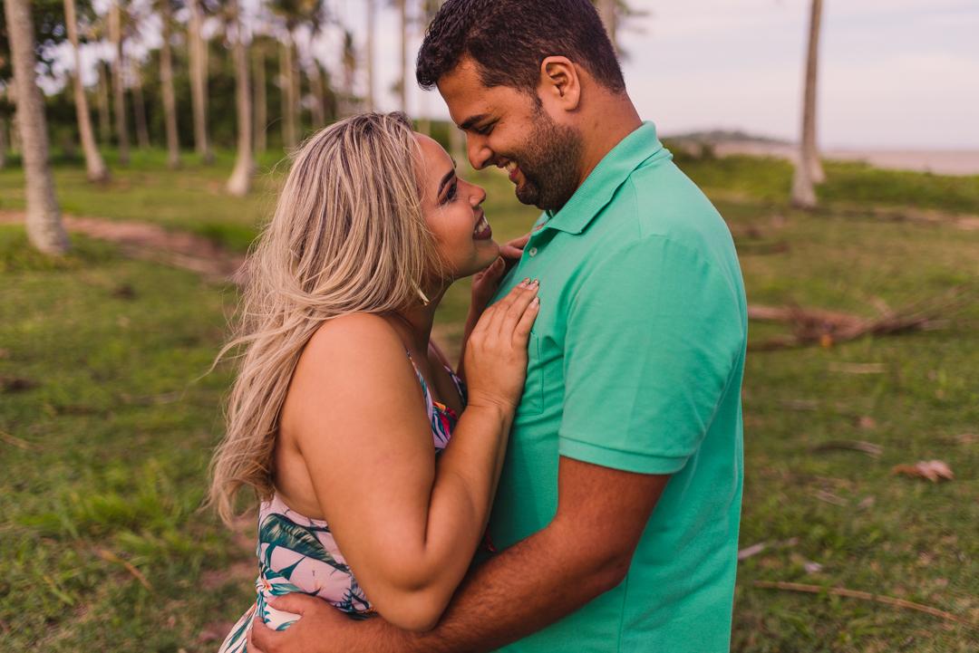 Ensaio Pré Casamento, Fotografia de casal, Ensaio na praia, Ensaio fotográfico na praia de coqueiral de aracruz espírito santo