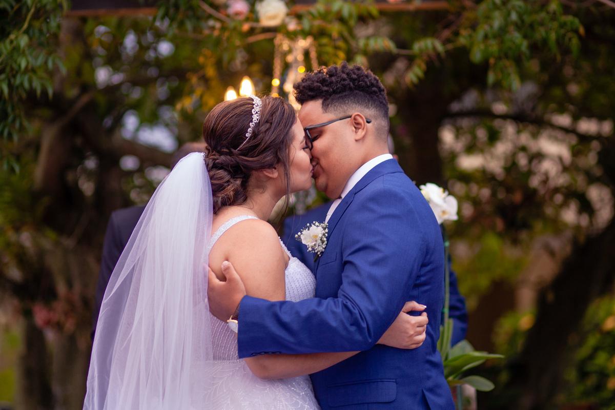 Fotografia Beijo Noivos - Casamento em Balneario Carapebus Serra ES - Paulo Mota Fotografia