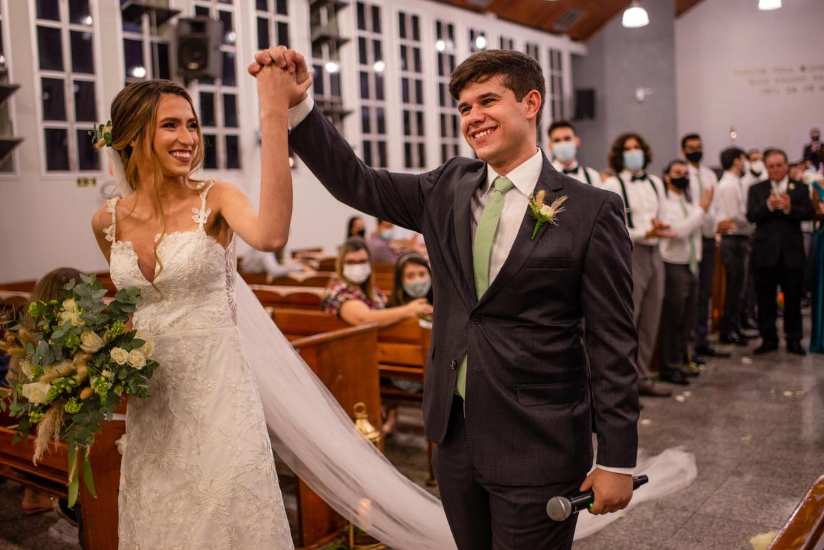 fotografia de casamento - iasd central de vitoria es - saida recem casados