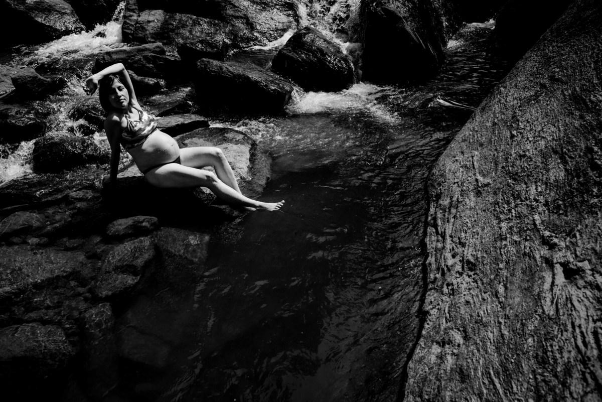 retrato gestante - cachoeira do aloisio - pedras - viana - es