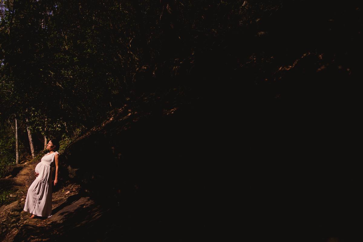 Retrato gestante - Ensaio fotografico gestante - Cachoeira do Aloisio - Viana ES
