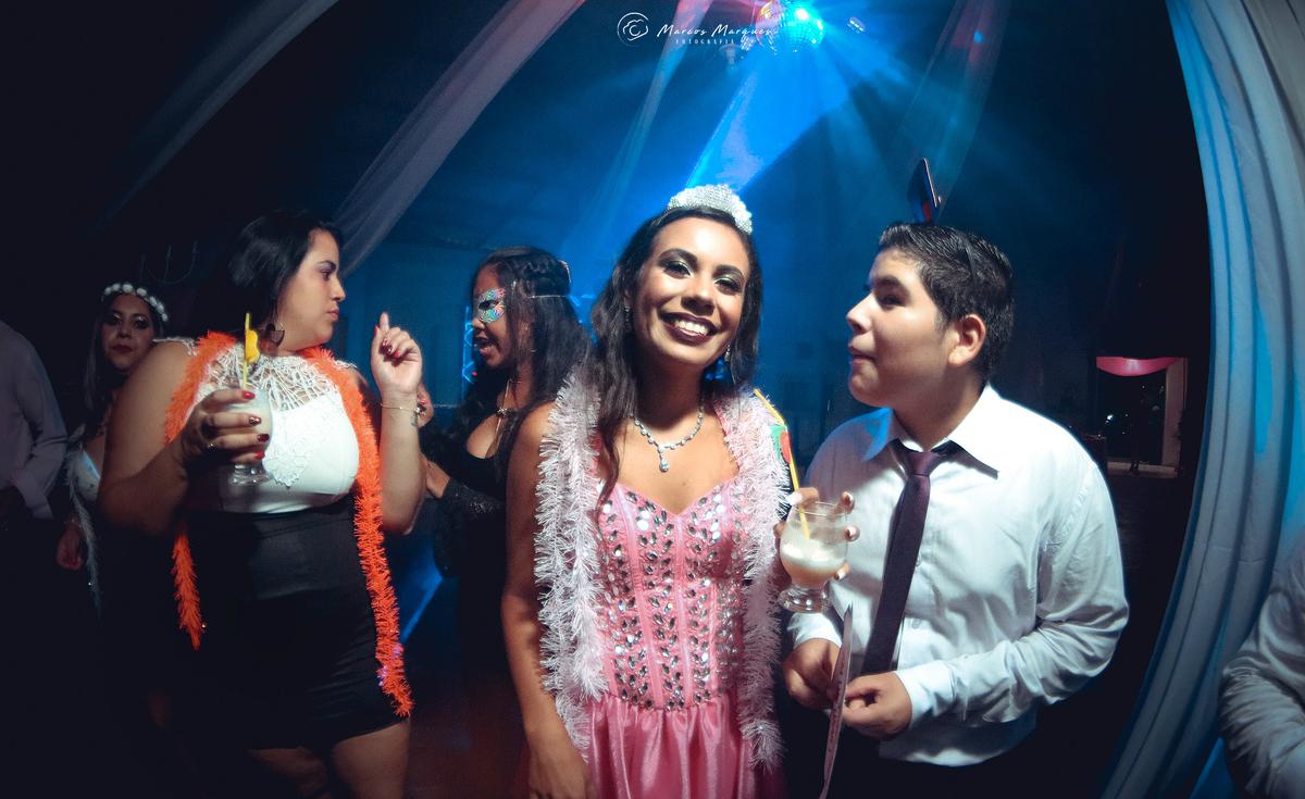 Imagem capa - Trailer da festa 15 anos Bianca por Marcos aurelio marques neto