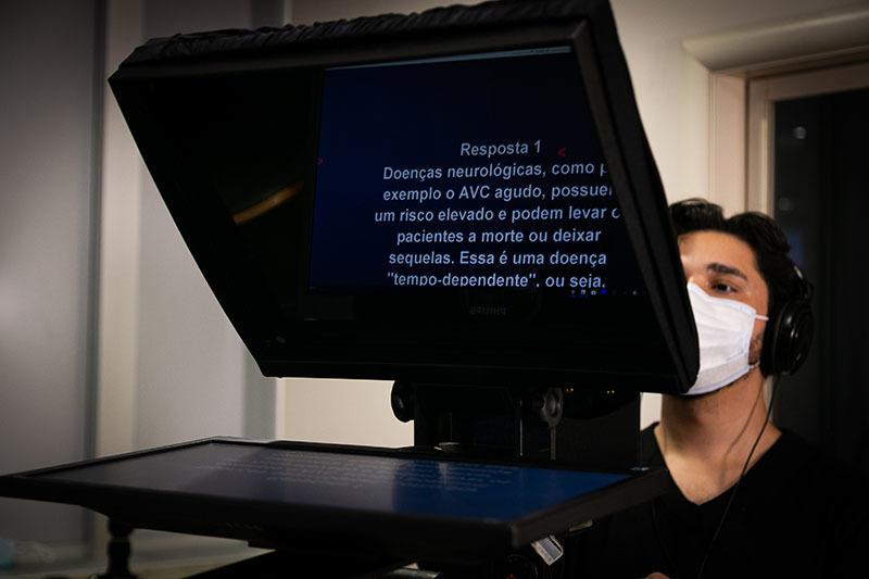 Imagem capa - Produtora de Vídeo em São Paulo - Importância do Teleprompter por Luis Gustavo