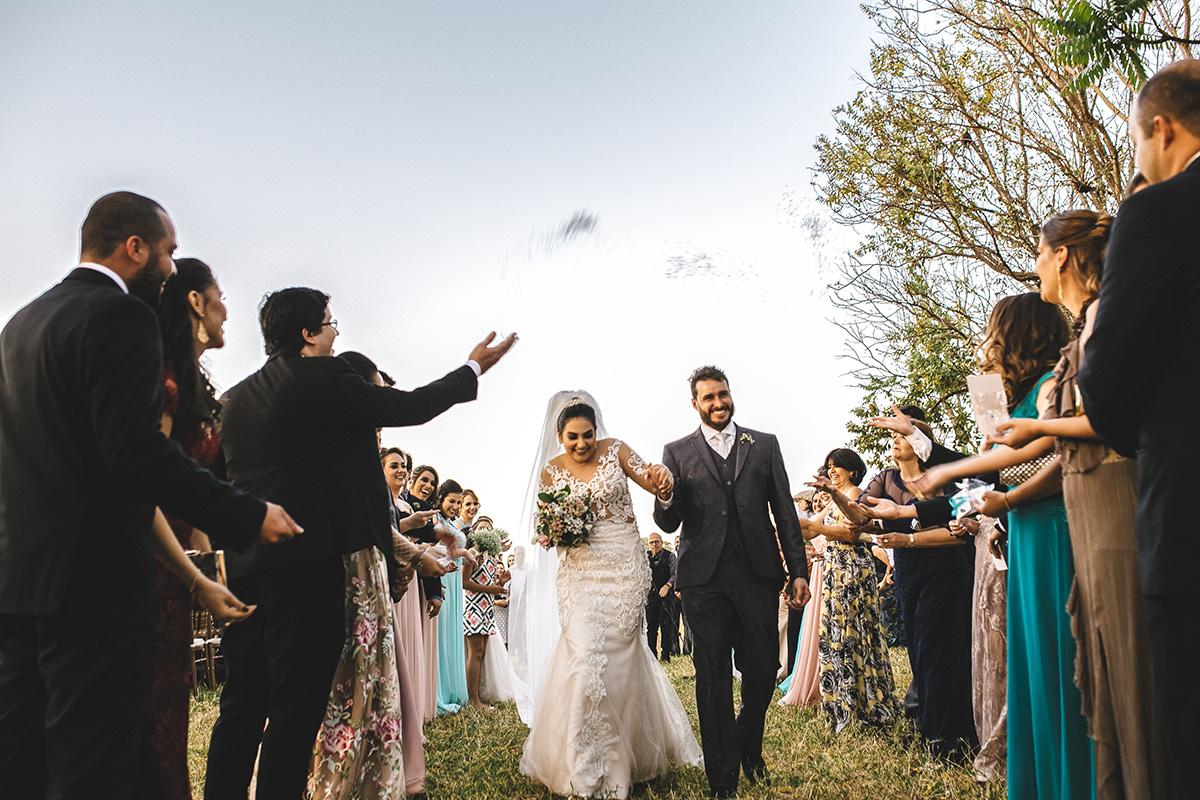 Imagem capa - FOTOGRAFIA DE CASAMENTO - ENTENDA PORQUE A FOTOGRAFIA É UM DOS ITENS MAIS IMPORTANTES por Juliano Tavares - Fotografia