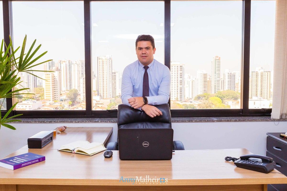 Imagem capa - Fotografia: Ricardo Martinez Advogado por Anny Malheiros