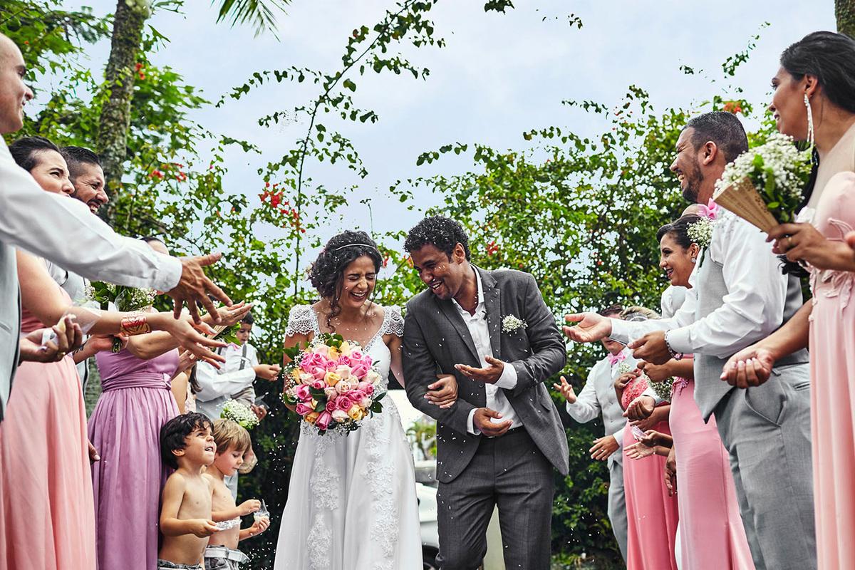 Imagem capa - Ideias para saída dos noivos por <a href=http://brunonunes.com.br>Bruno Nunes - Fotógrafo de Casamentos em Santos</a><br>Rua Conselheiro Nébias 688 - Sala 35<br><a href=http://wa.me/5513991572276>WhatsApp</a>