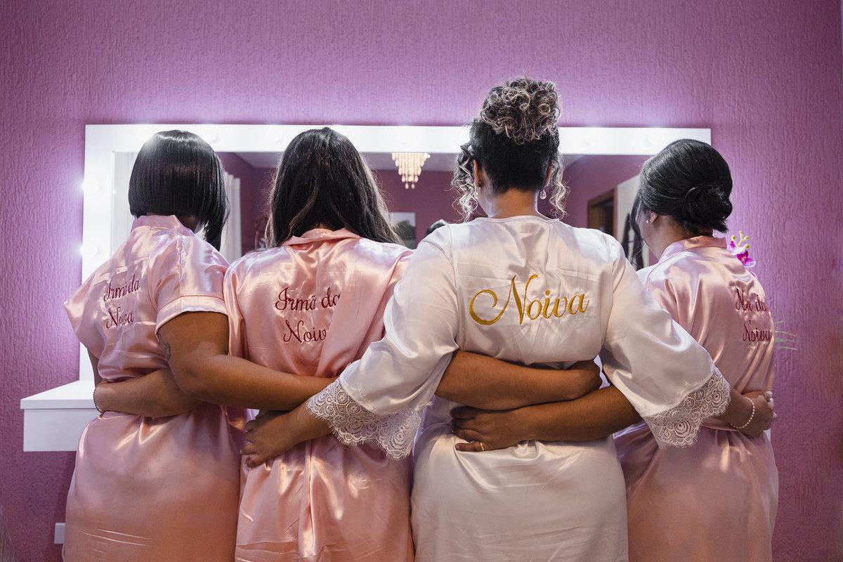 Imagem capa - Qual a importância das madrinhas no dia da noiva?   por Fotografo Casamento SP, Beatitude Fotografia Casamento