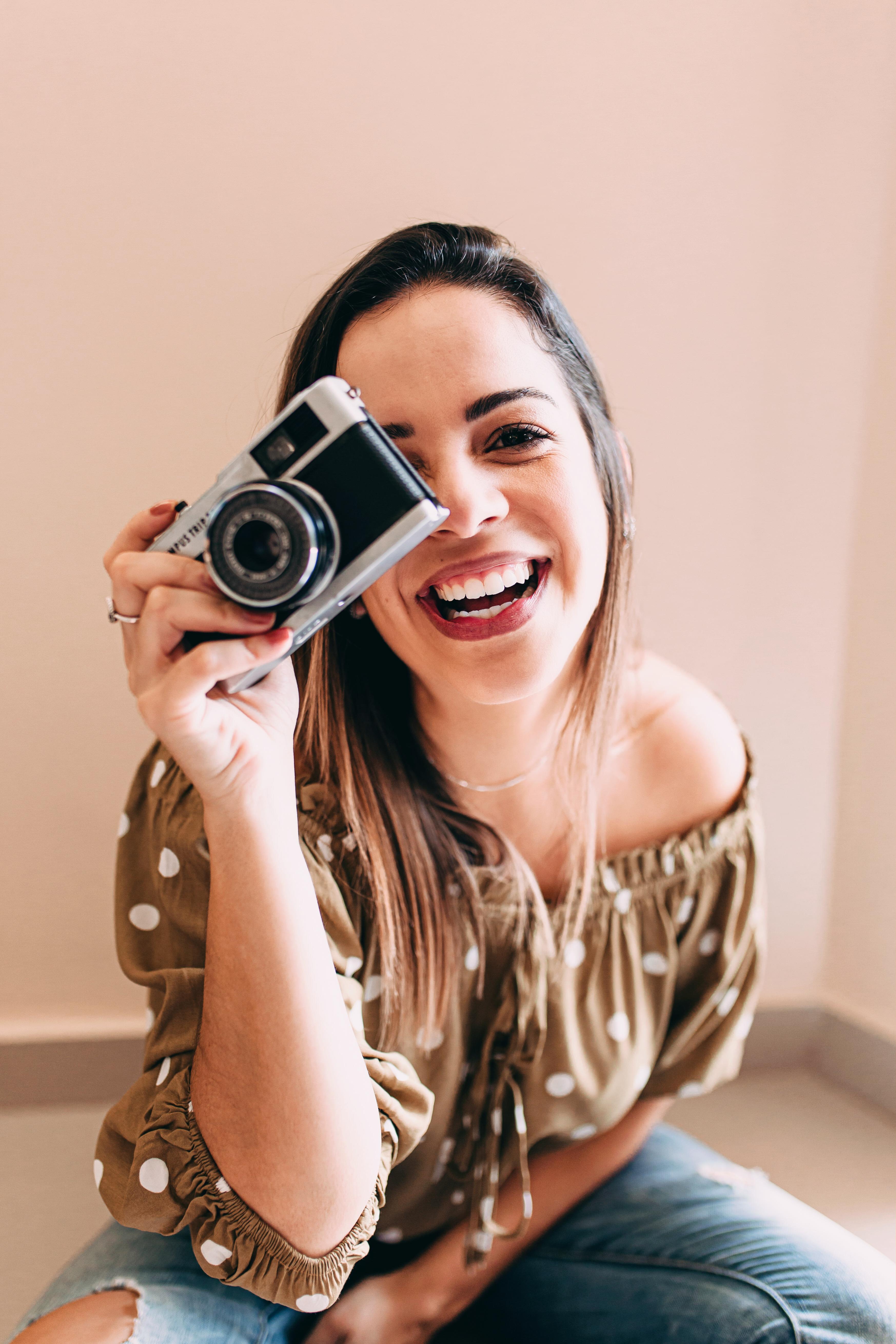 Sobre Caroline Tudesco | Fotografia Lifestyle de Famílias, Gestantes, Recém-nascidos, Bebês e Aniversários Infantis | Campos dos Goytacazes/RJ