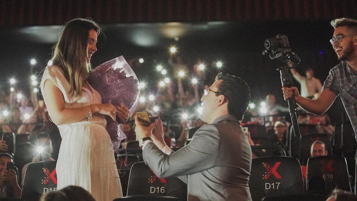 Imagem capa - Nakamovie produz pedido de casamento no cinema de forma incrível  por Bruno Mangueira Nakamura