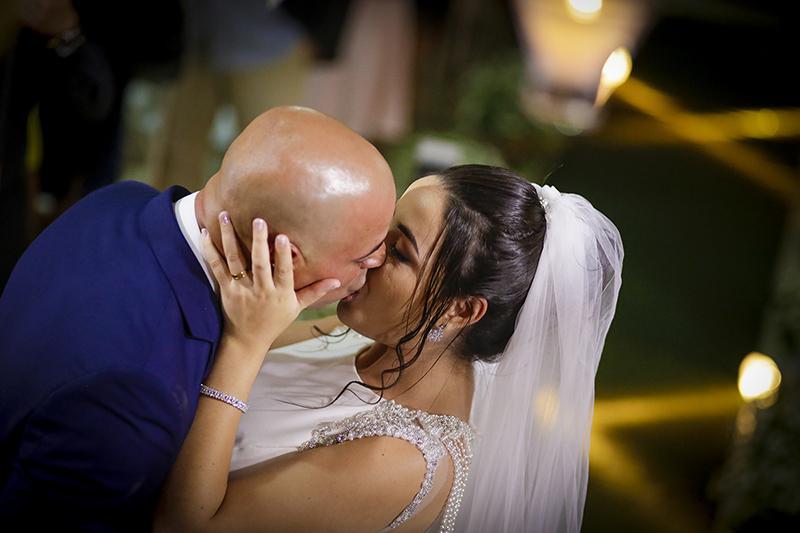 Imagem capa - Como escolher o fotógrafo de casamento  por Daiane Maria da Silva