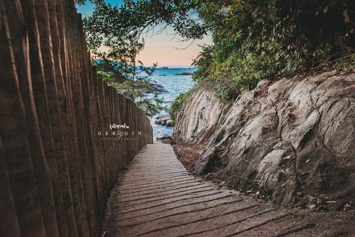Imagem capa - Conheça a Praia Secreta em Vila Velha - ES por Gergin Fotografia