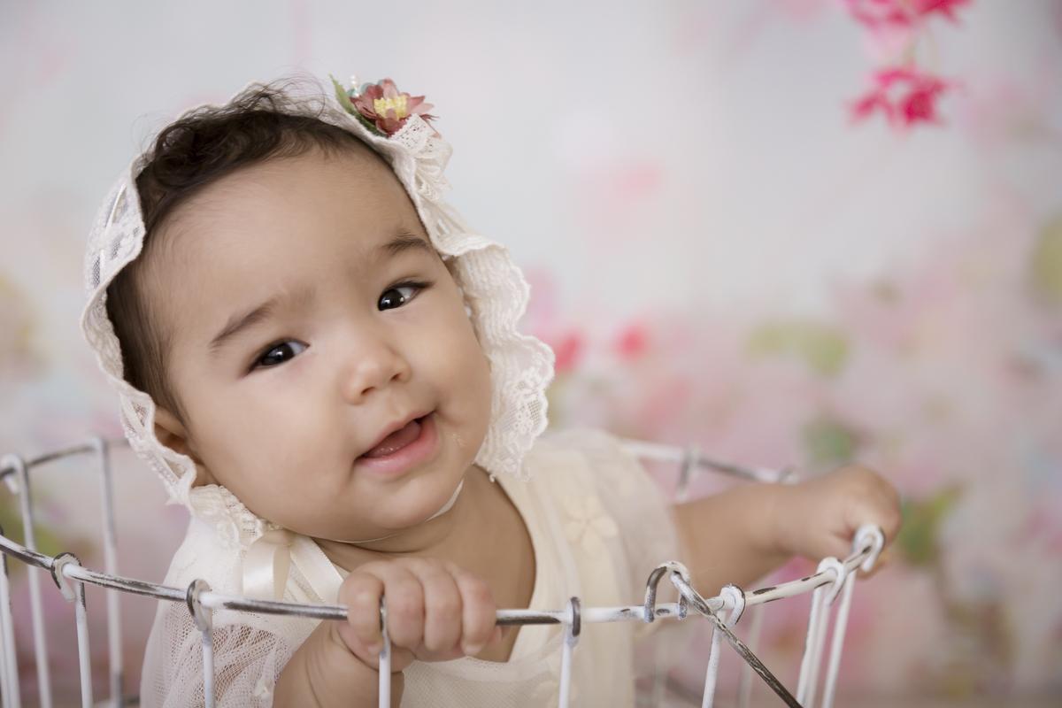 Sorriso de bebe de 7 meses, gêmea,