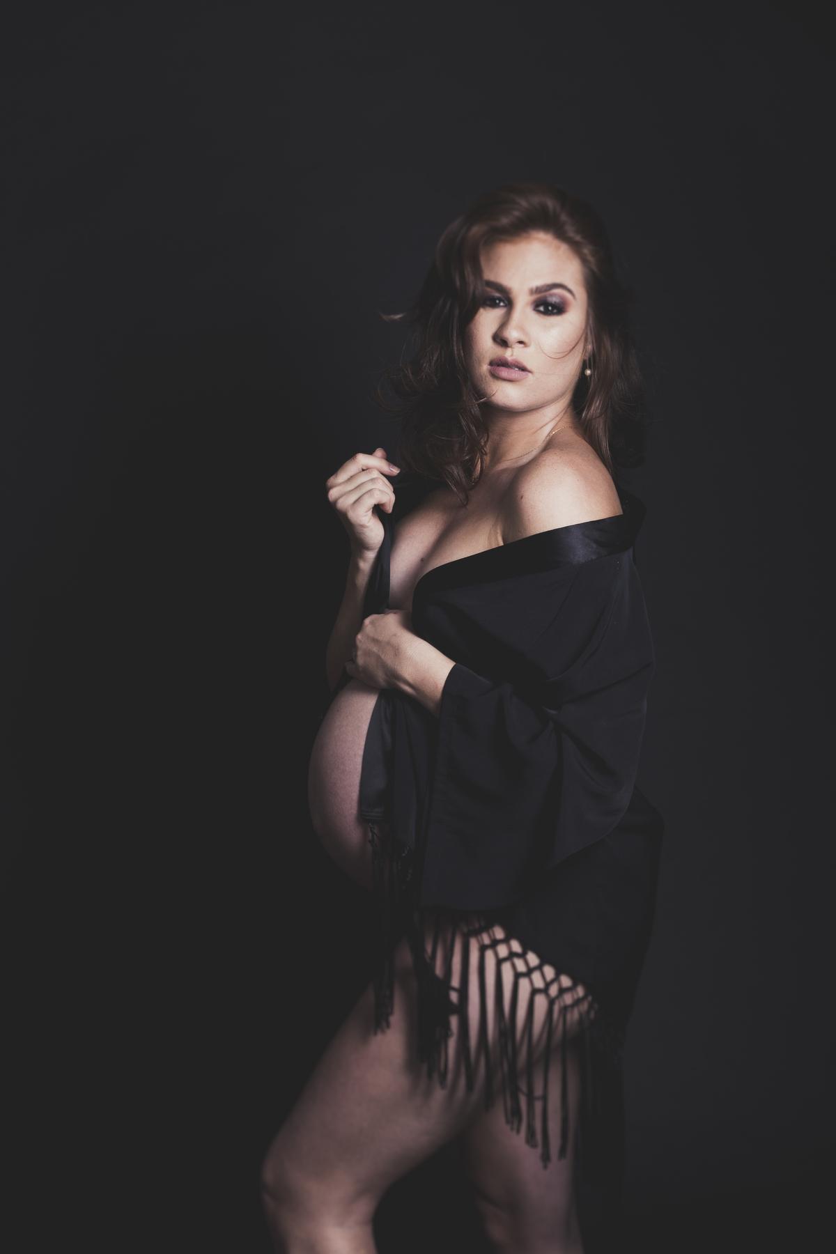 Gestante sexy, elegante , 32 semanas de gestação, em ensaio fotográfico, Brasilia DF, Gabi Aine