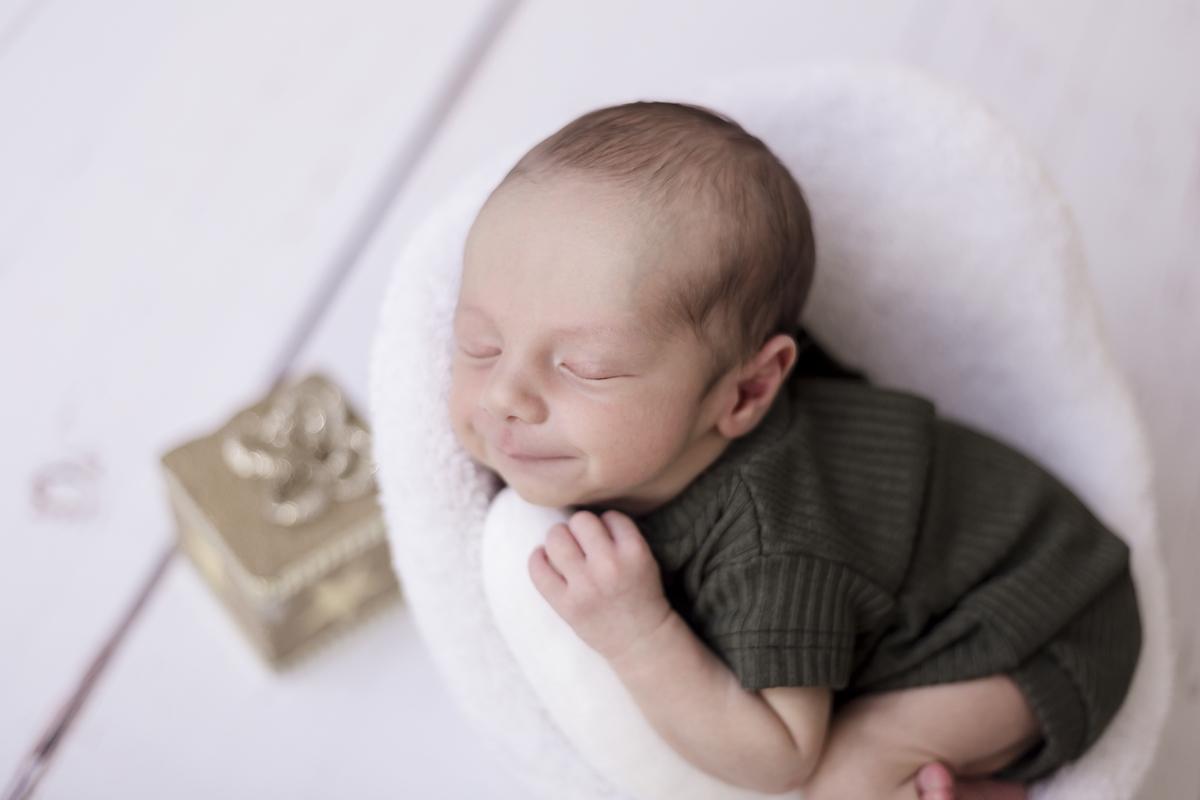 Delizadeza do ensaio newborn em Brasilia