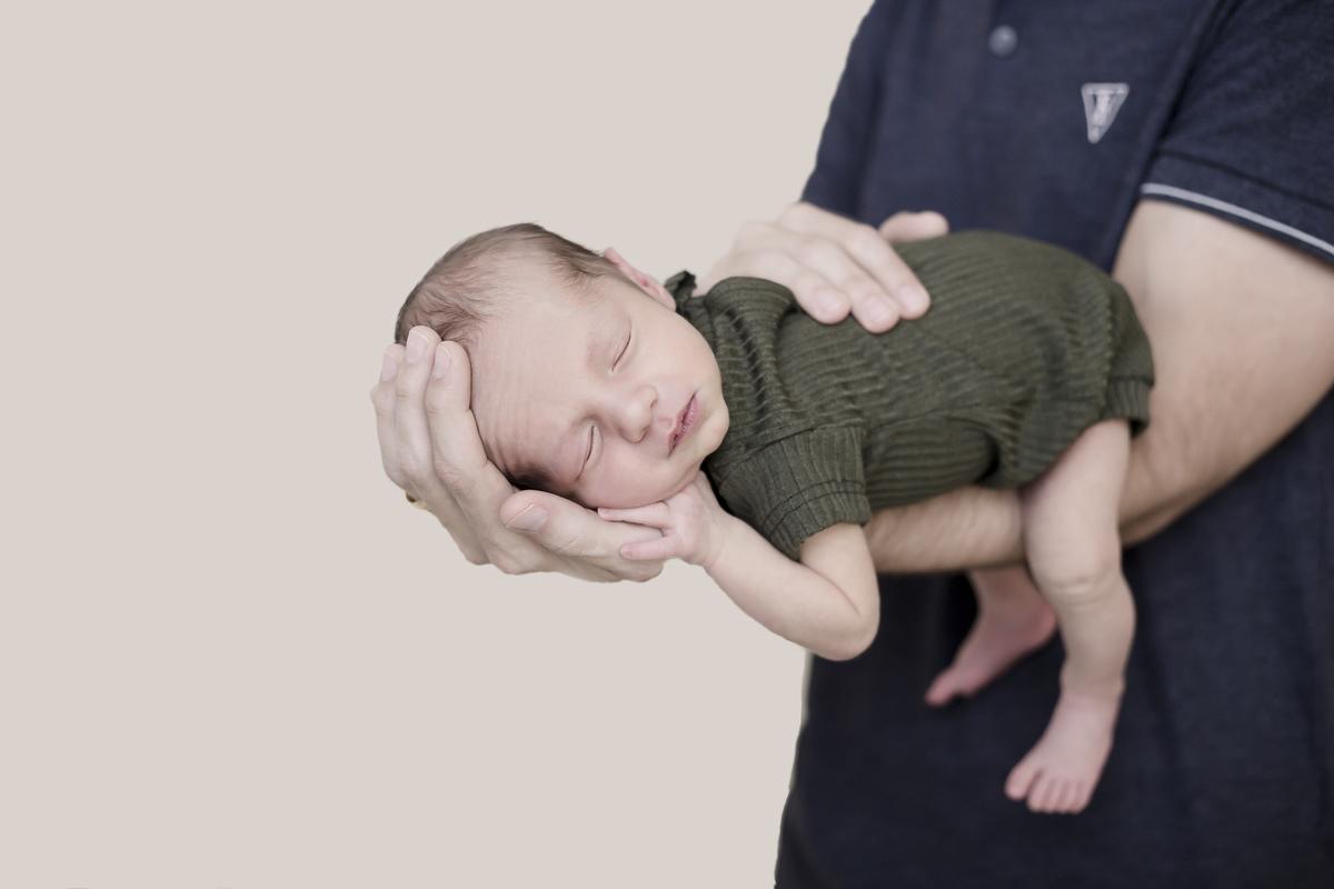 Amor nas mãos, ensaio newborn Brasilia, Gabi Aine, recem nascido