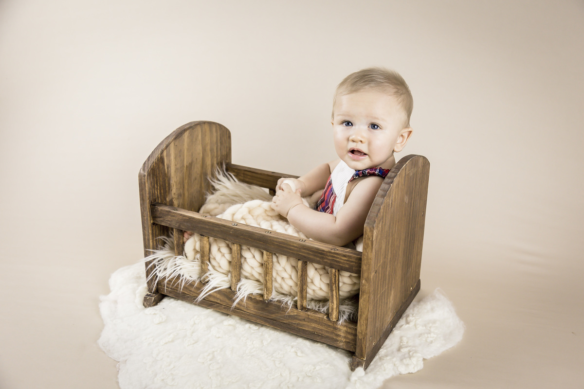 ensaio bebe de 6 meses, sentadinho bercinho, acompanhamento primeiro ano