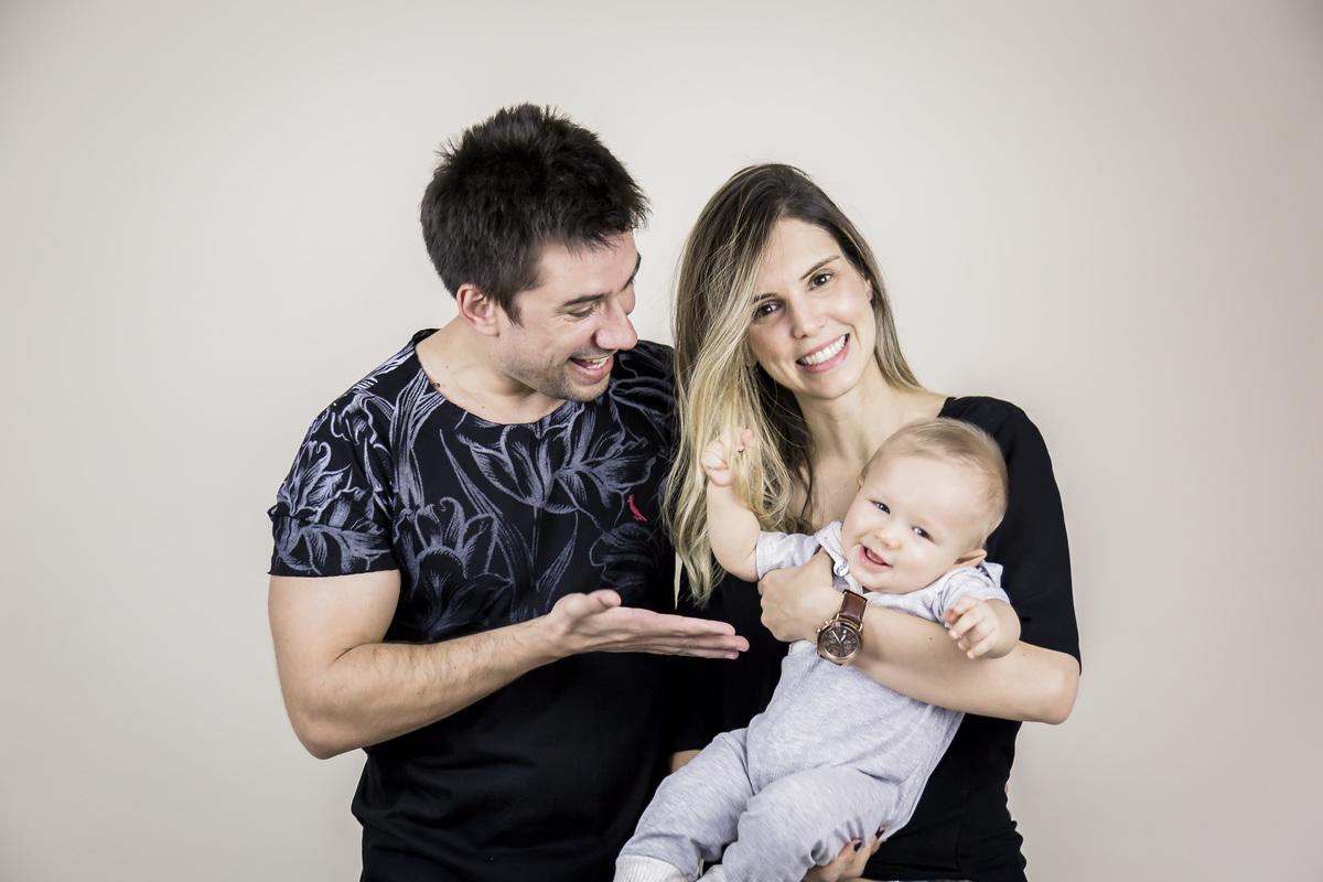 foto família, bebe de seis meses, ensaio acompanhamento Gabi Aine