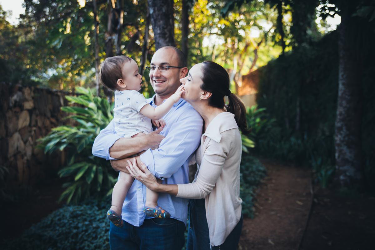 Bebe e avós em ensaio externo de acompanhamento primeiro ano
