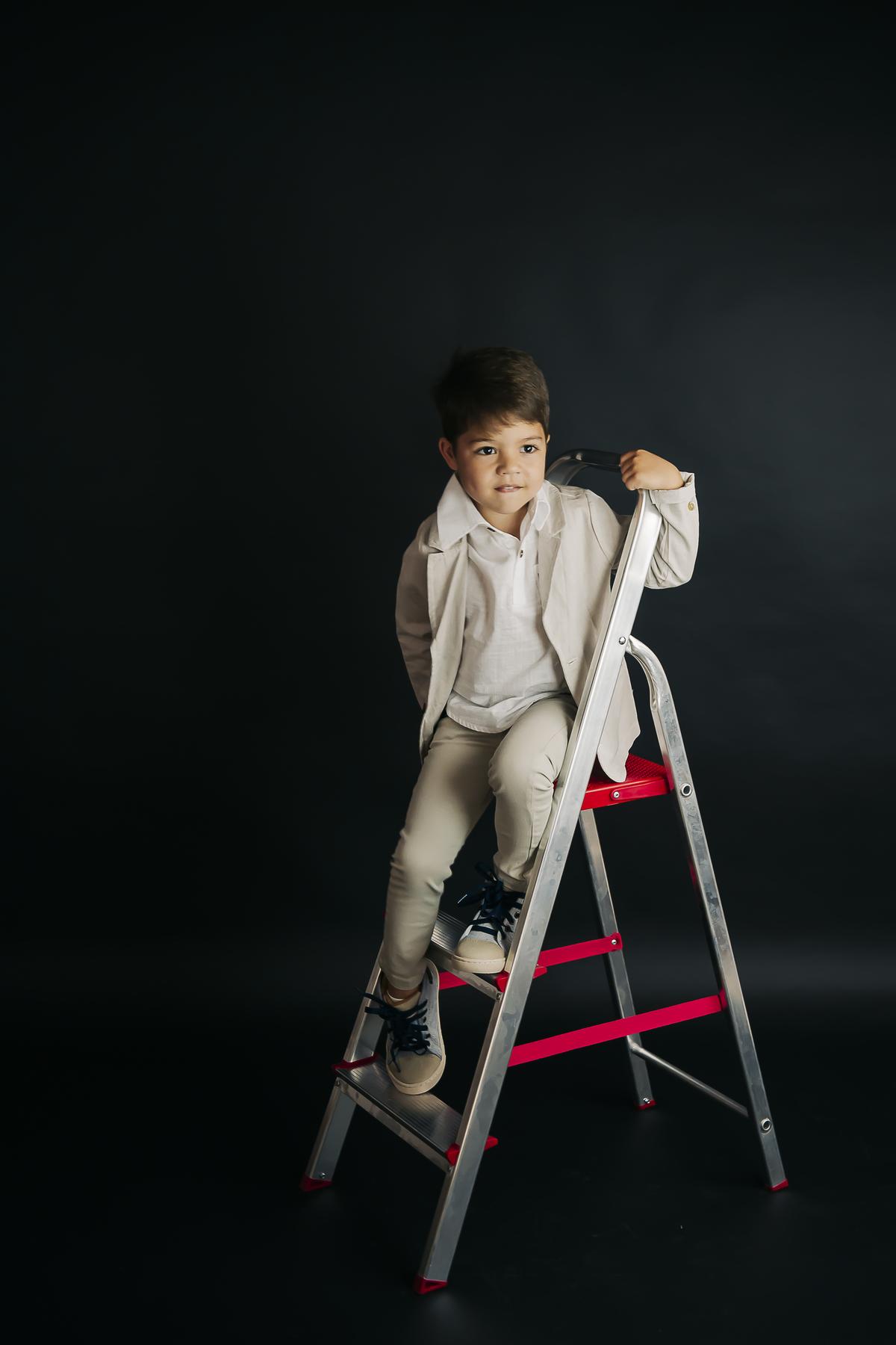Fotografia editorial, crianla de seis anos, Brasilia Gabi Aine Fotografia