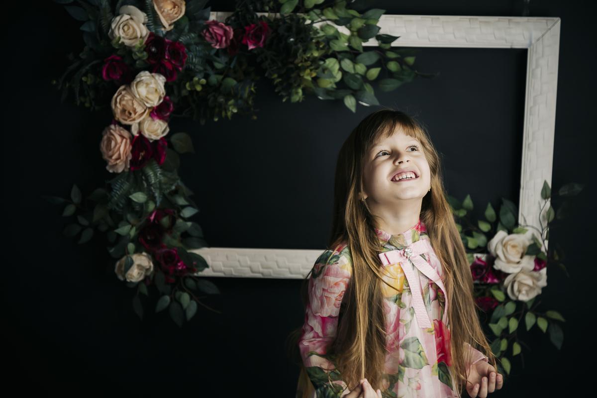 Fotografia minimalistam editorial de menina, Gabi Aine