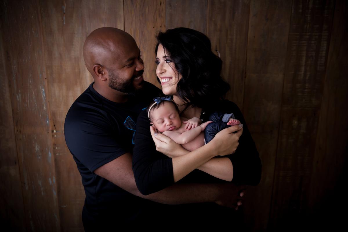 Amor da familia no ensaio da Heloisa, 15 dias de vida, Newborn Brasilia