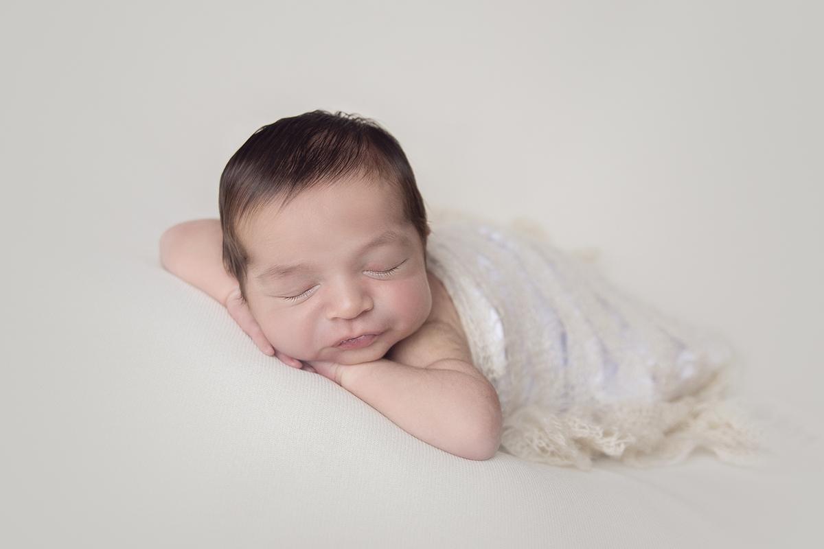 Foto Gabi Aine, fotógrafa premiada, Ensaio Newborn Brasilia