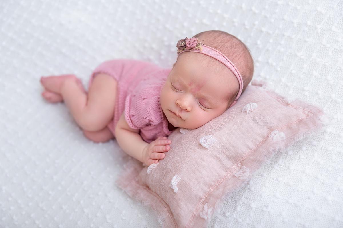Pose ladinho Newborn Brasilia Menina