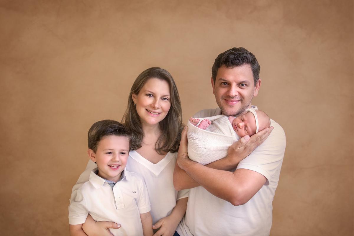 Foto familia completa Newborn Brasilia
