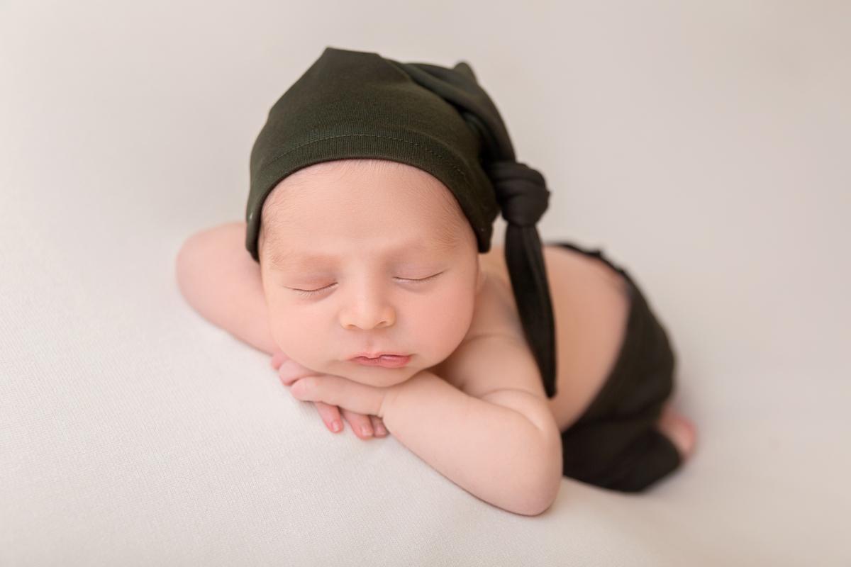 Fotografia de recem nascido, ensaio newborn atemporal e minimalista Gabi Aine