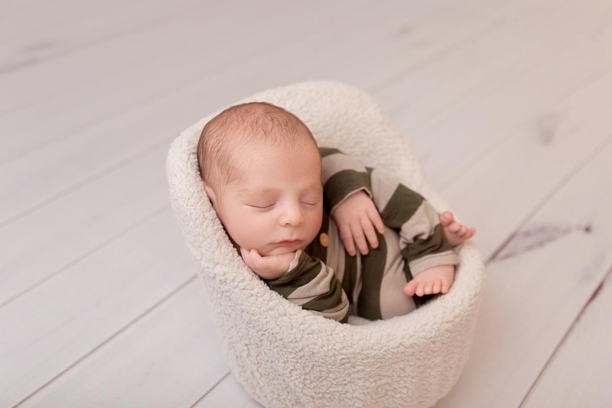 Fotografia de bebê, ensaio newborn em Brasília, Gabi Aine, àguas claras
