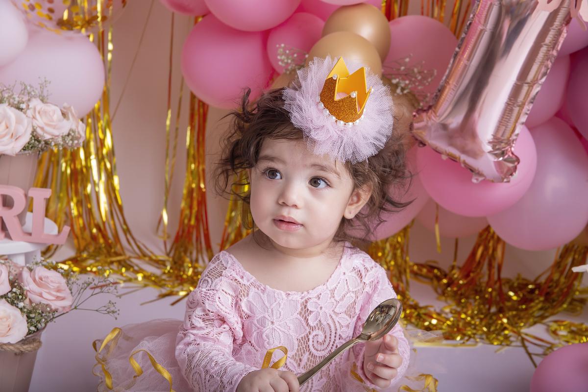 Princesa no smash the cake rosa e dourado em Brasília