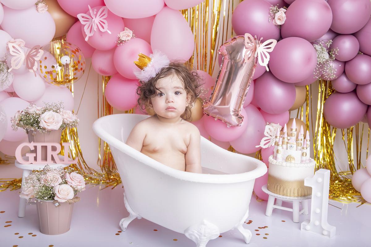 Smash the cake tema princesa rosa e dourado Brasilia àguas claras DF