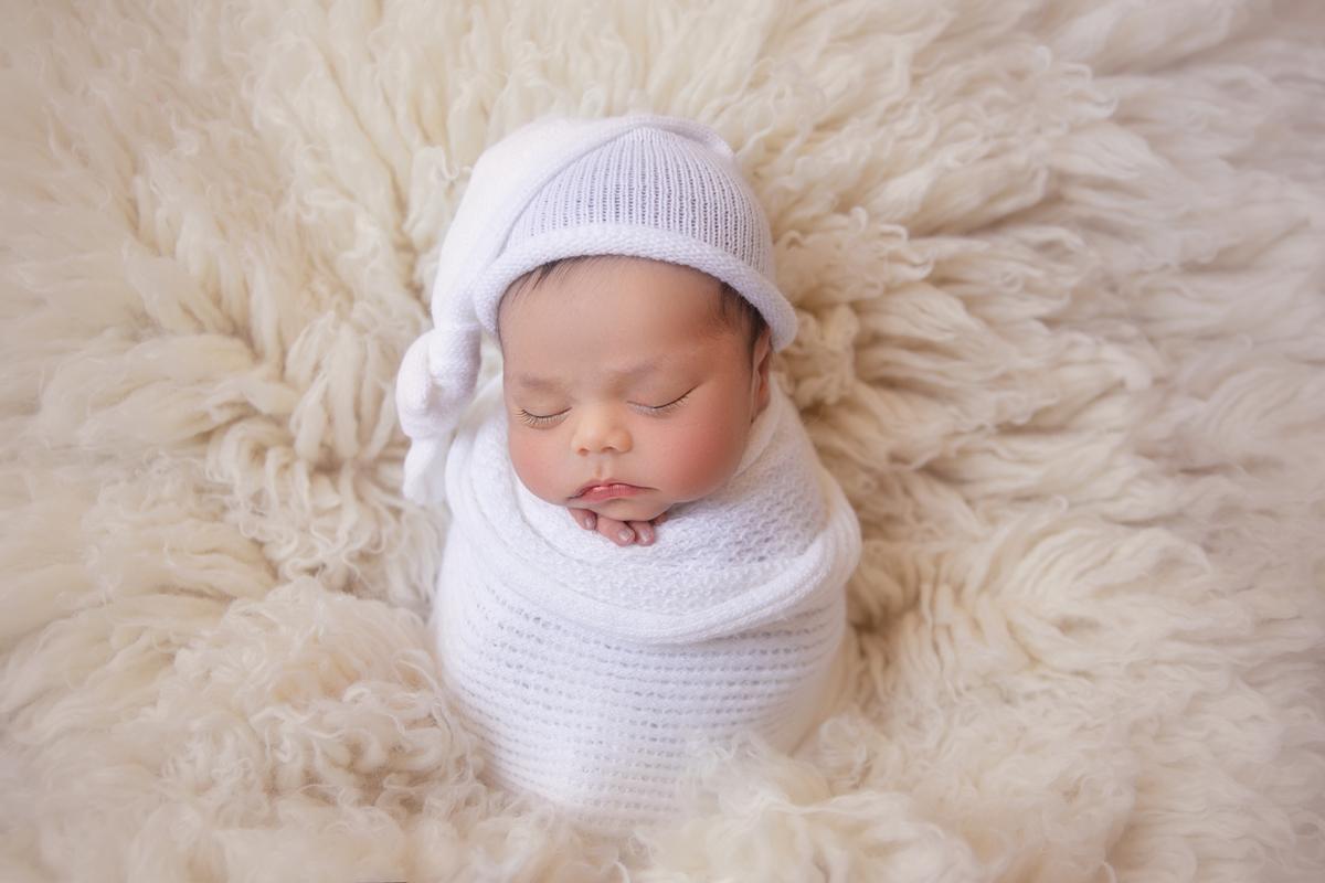 Bebe pose saco de batata Ensaio Newborn Brasilia DF