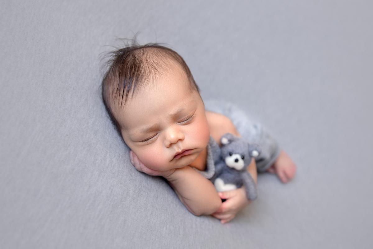 Ensaio Newborn bebe de 10 dias com ursinho