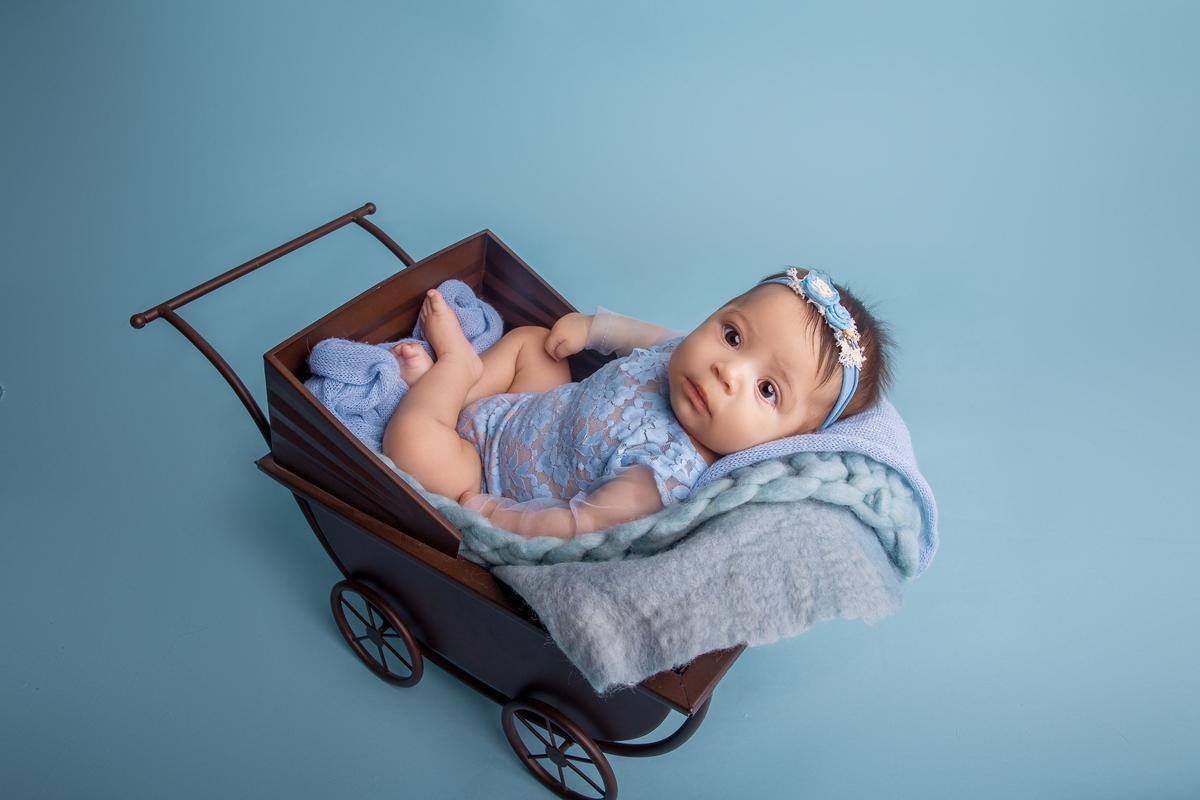 Carrinho, bebê de três meses, ensaio primeiro ano àguas claras DF