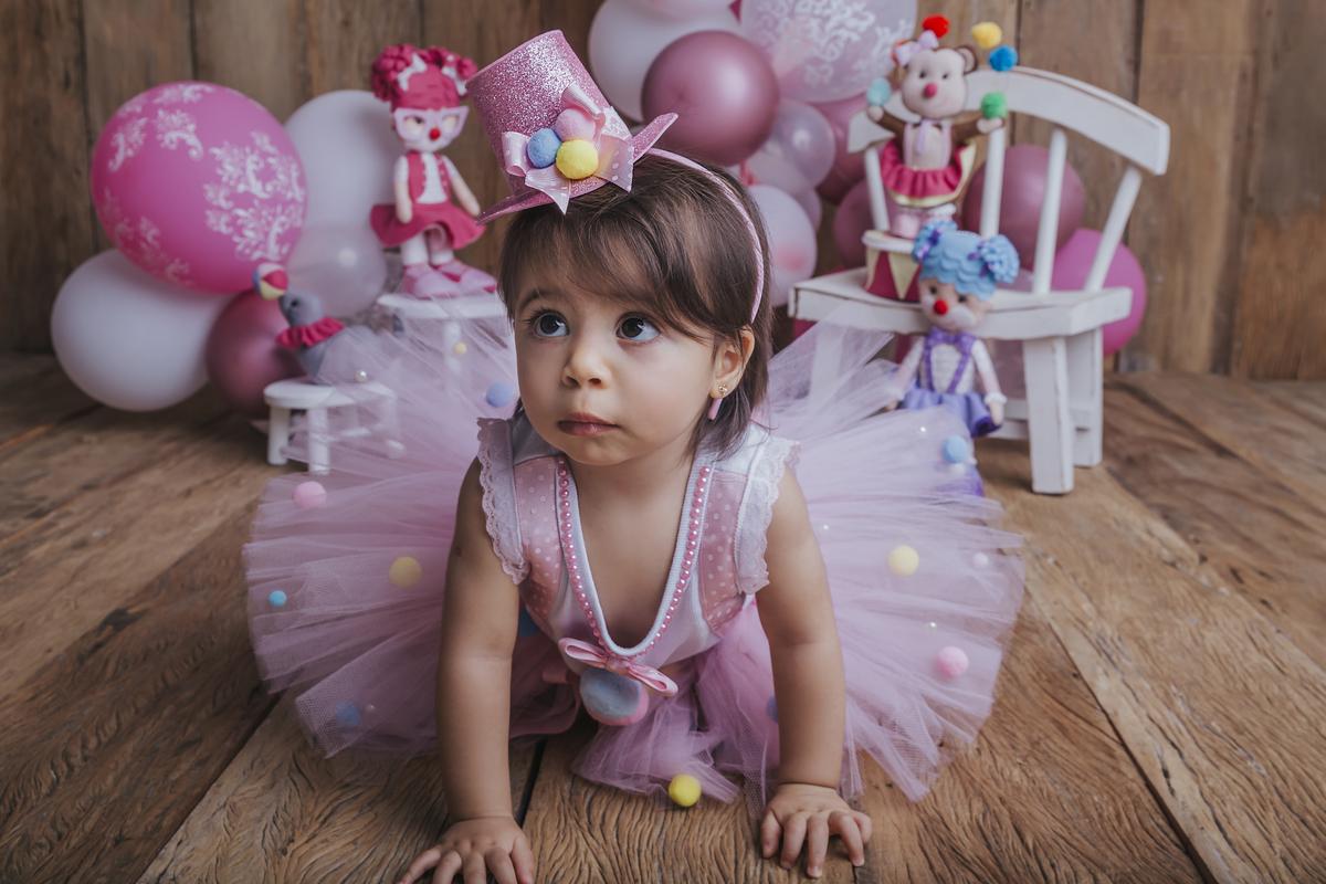 chegou o ultimo ensaio do acompanhamento trimestral do primeiro ano de vida do bebê, tema circo